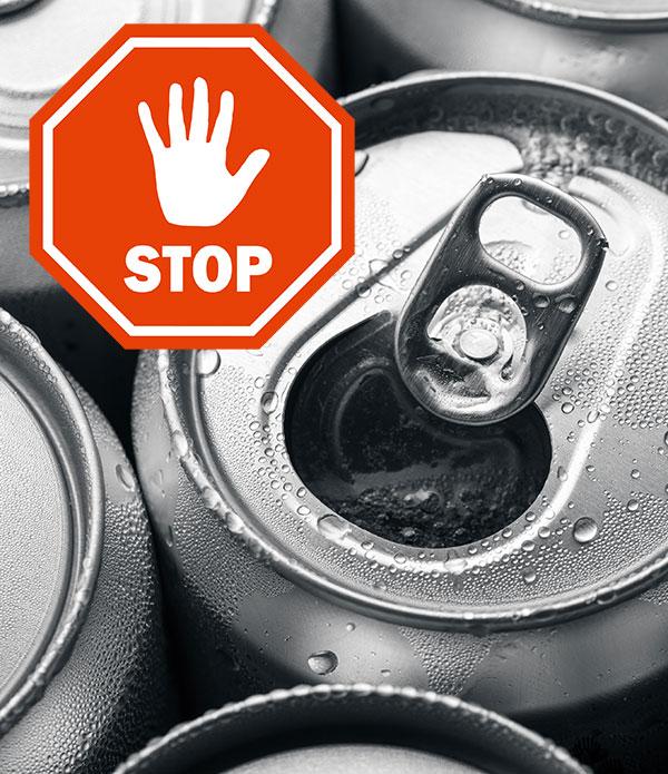 Säuren lösen Alu aus Aluminiumdosen in das Getränk. Glas bevorzugen.